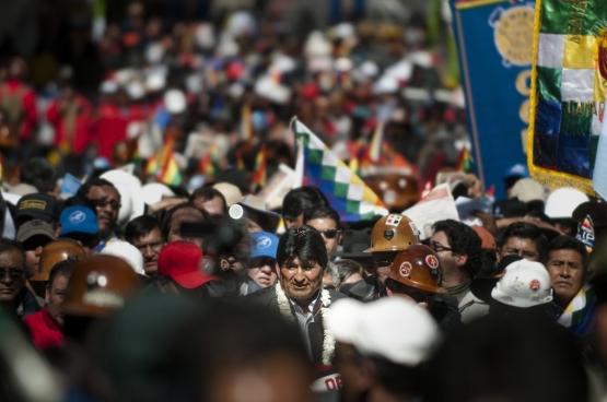 De Boliviaanse president (hier op een 1 meiviering dit jaar) kreeg van het Boliviaanse volk een mandaat om zijn beleid voort te zetten. (Foto Eneas De Troya / Flickr)