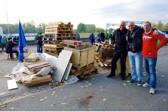 Ook het verdeelcentrum van Delhaize in Ninove bleef dicht. (Foto Solidair, Han Soete)
