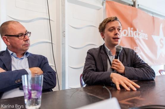 Marc Leemans, voorzitter van het ACV, en auteur Owen Jones op ManiFiesta. (Foto Solidair, Karina Brys)