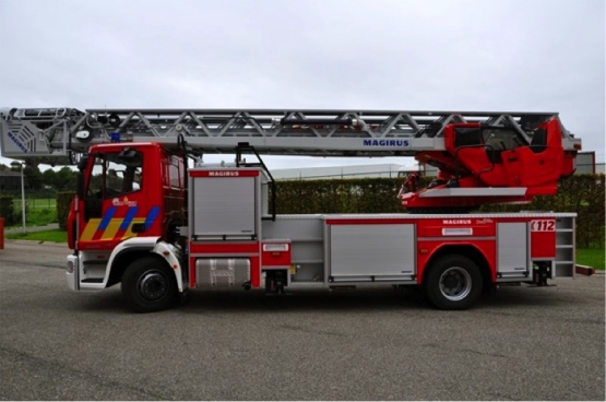 De levensreddende ladderwagen die de Boomse N-VA burgemeester (voorlopig) niet wil betalen.  (Foto Theo Derkinderen)