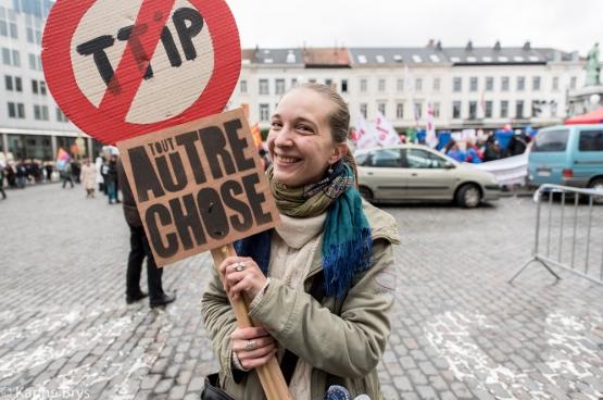 Van 12 tot 17 oktober waren er in tal van Europese steden anti-TTIP-betogingen. Zoals hier in Brussel. (Foto Solidair, Karina Brys)