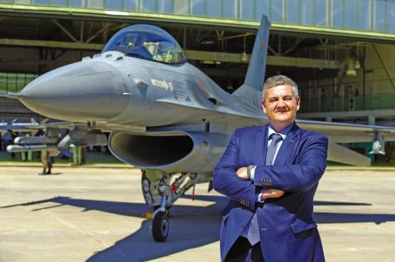 Minister van Defensie Steven Vandeput (N-VA) stelde zijn plan voor. Kostenplaatje? 9,2 miljard euro voor 34 nieuwe gevechtsvliegtuigen, drones, fregatten ... (Foto Belga)