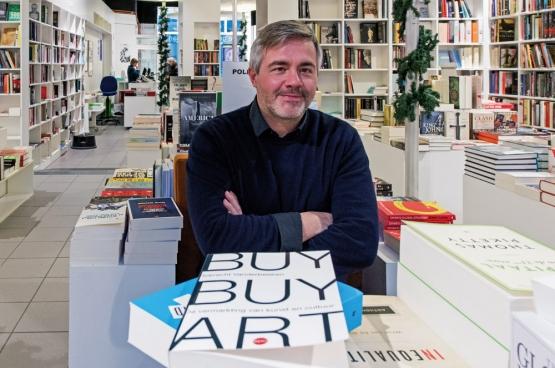 Auteur Robrecht Vanderbeeken.  (Foto Solidair, Karina Brys)