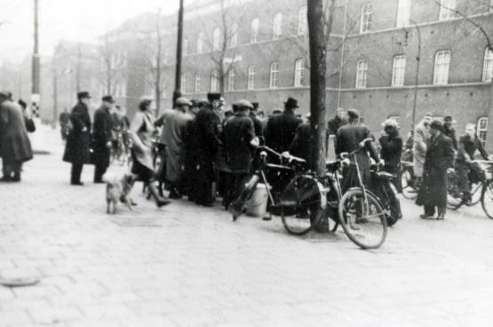 Er bestaat maar één foto van de februaristaking. Onder de Duitse bezetting mochten de media er ook niet over berichten.