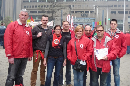 """Mercedes """"Muisie"""" Debels (vooraan, met bril): """"Na die herstructurering besliste ik op te komen bij de vakbond"""". (Foto Solidair)"""