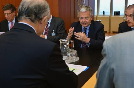 Voor hij minister werd, was Didier Reynders bestuurder van het coördinatiecentrum van multinational Carmeuse (van de schatrijke familie Collinet). Hij heeft dus wel voeling met de belangen van multinationals. (Foto IAEA / Flickr)