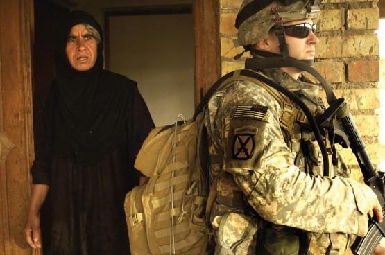 Amerikaanse soldaten in Irak. De VS willen net als in Irak en Afghanistan, ook in Syrië een marionettenregering. (Foto Tierney Nowland / Flickr)