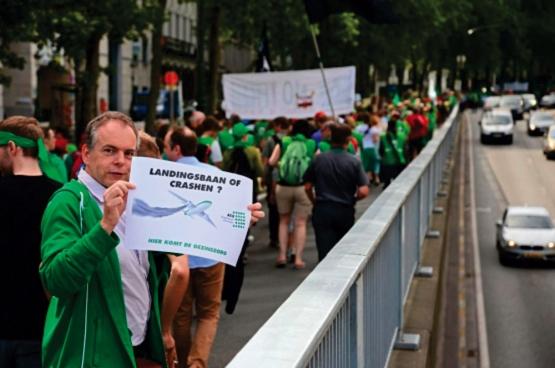 Op 10 juni betoogden in Brussel tweeduizend werknemers uit de gezondheidszorg. (Foto Solidair, Vinciane Convens)
