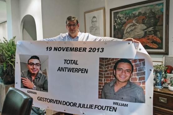German Pacheco Dirix (30 jaar) en William Van Robbroeck (29 jaar) kwamen op 19 november 2013 om in een explosie in de Total Raffinaderij in Antwerpen. Sindsdien probeert Guido, de vader van German, de verantwoordelijken voor de dood van zijn zoon te laten veroordelen. (Foto Solidair, Karina Brys)