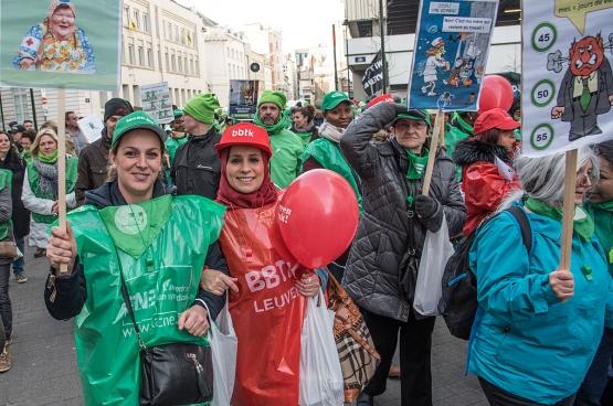 Mensen uit de zorgsector tijdens de betoging van de non-profit op 24 november in Brussel. (Foto han Soete, Solidair)