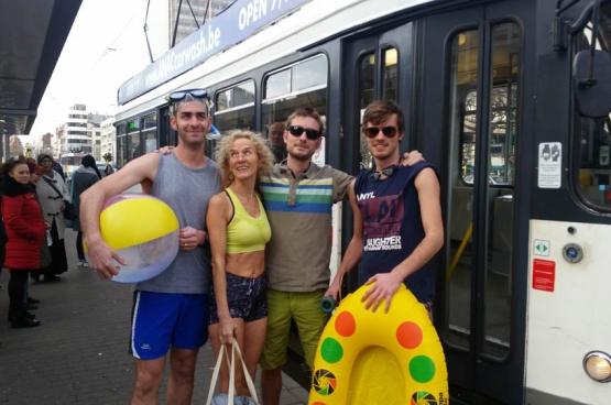 PVDA Antwerpen protesteert tegen de invoering van de zomerdienst voor trams. (Foto Solidair, Paul Lever)