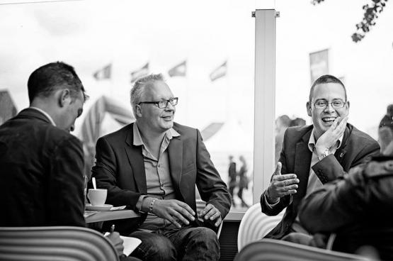 PVDA-voorzitter Peter Mertens en PVDA-volksvertegenwoordiger Raoul Hedebouw.
