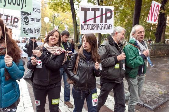 Het Noord-Amerikaanse NAFTA bewijst dat dergelijke vrijhandelsverdragen niks goeds in petto hebben voor de bevolking. Het protest ertegen is dan ook breed. (Foto Solidair, Karina Brys)
