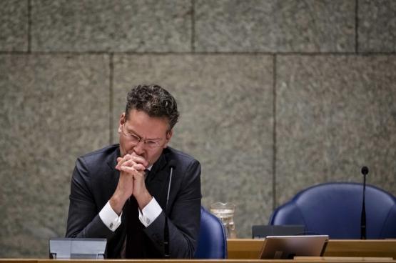 De Nederlandse sociaaldemocratische minister van Financiën Dijsselbloem verliest zelfs zijn ministerpost. De man zit tot nader order de Eurogroep voor (de landen van de eurozone) en is berucht om zijn snoeiharde aanpak van Griekenland. (Foto Belga)