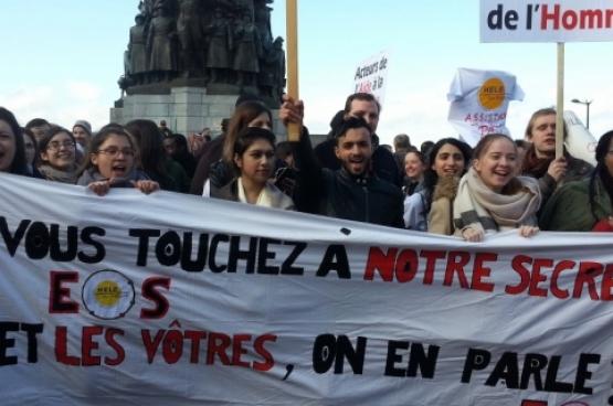 In februari dit jaar protesteerden sociale hulpverleners en organisaties die de democratische rechten verdedigen, tegen de plannen om hun beroepsgeheim te ondergraven. (Foto Ivo Flachet)