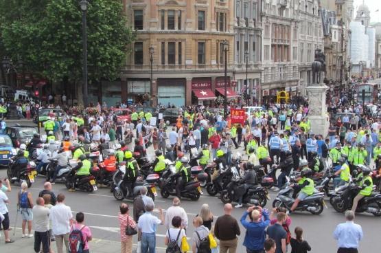 De protesten tegen Uber zijn niet nieuw. Op 11 juni 2014 betoogden Londense taxis ook al tegen Uber (Foto David Holt / Flickr)