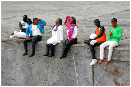 Beeld uit Moving People, street art project over mensen op de vlucht. (Foto Martin Broek, Flickr)