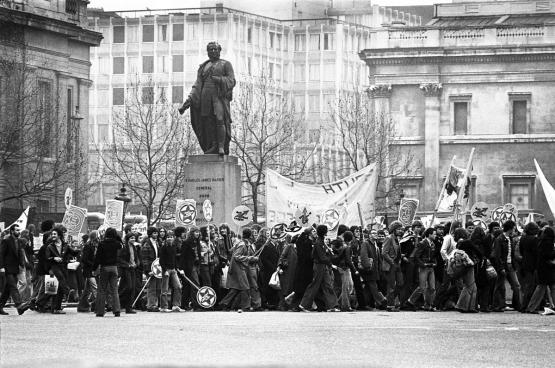 Rock Against Racism-optocht, Trafalgar Square, 1978.  (Foto Sarah Wyld / Wikimedia)