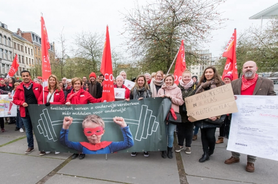 Ludieke actie van ACOD Onderwijs in Antwerpen. (Foto Solidair, Karina Brys)