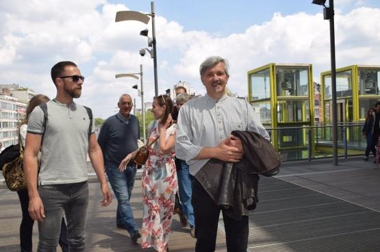 Een tevreden Peter Spruyt na de uitspraak van de arbeidsrechtbank. (Foto Solidair)
