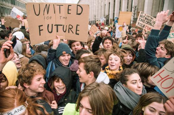 """""""Vier minister van Milieu en geen klimaatplan"""", dat hoorde en zag je vaak op de jongerenbetogingen voor het klimaat. Daarmee viseerden ze de inefficiëntie van de separatistische logica. (Foto Solidair)"""