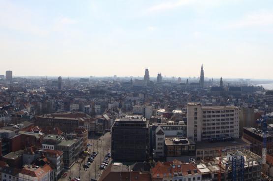 Er moet vooral in de steden bijgebouwd worden, daar is de nood het hoogst. (Foto ines s., Flickr)