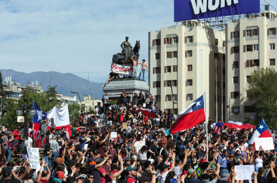 Manifestatie in Santiago, Chili, eind oktober 2019. (Foto Carlos Figueroa)