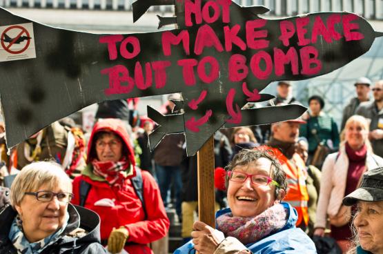 Betoging tegen aankoop van F-35 in Brussel. (Foto Solidair, Raf De Geest)