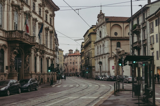 De straten van Milaan riskeren morgen nog meer verlaten te zijn als gevolg van de oproep van de Italiaanse vakbonden om te staken...