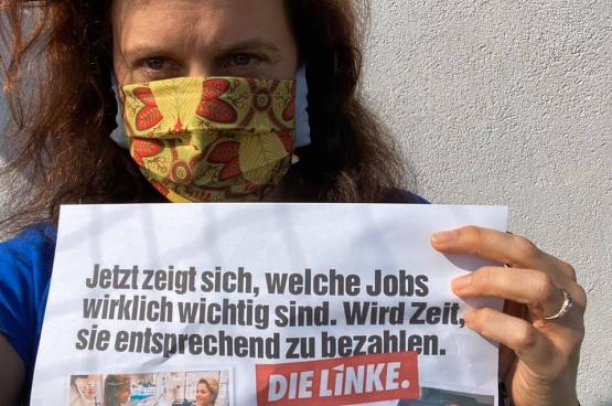 """""""Nu wordt duidelijk welke jobs er echt toe doen. Tijd om ze fatsoenlijk te betalen."""" (Foto Franziska Wöckel, Facebook)"""