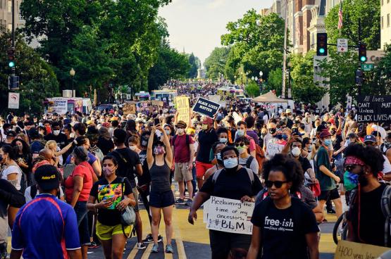 Manifestatie tegen het politiegeweld in Washington DC op 6 juni. (Foto Geoff Livingston, Flickr)