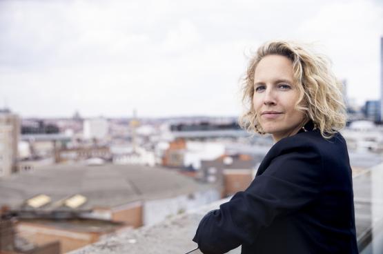 """Kinderrechtencommissaris Caroline Vrijens: """"Bij het begin van de crisis was er te weinig besef van de impact op kinderen en jongeren."""" (Foto: Koen Broos)"""