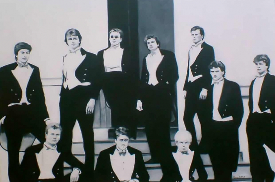 Leden van de Bullingdon Club in 1987, waaronder Boris Johnson en David Cameron (Foto: Diego Sideburns, Flickr)