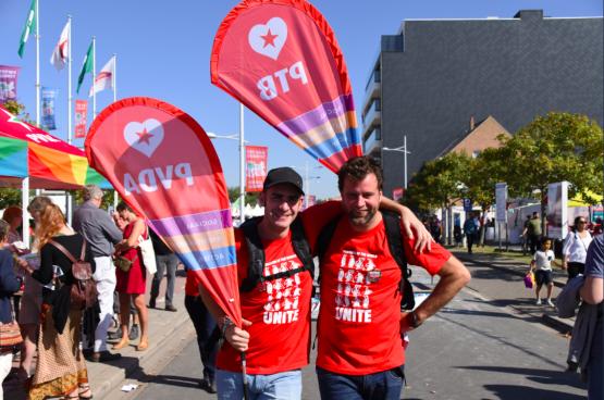 Wat nodig is, is een grote campagne van de hele linkserzijde met concrete eisen: het optrekken van de uitkeringen tot boven de armoedegrens, het minimumpensioen van 1.500 euro per maand, de invoering van een vermogensbelasting, ... (Foto Solidair)