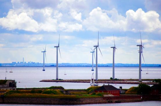 In Denemarken heeft de oliecrisis van de jaren zeventig het energiebeleid op losse schroeven gezet. Vandaag wordt het land beschouwd als een wereldleider in energietransitie. (Foto CGPGrey, Flickr)