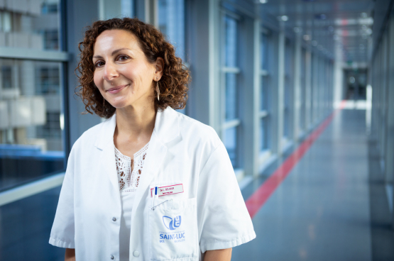 """""""Op basis van mijn eigen ervaring als infectiologe die patiënten in Brussel heeft verzorgd, en de ervaringen van mijn collega's, heb ik geprobeerd om punt voor punt aan te geven wat niet goed heeft gewerkt."""" (Foto DR)"""