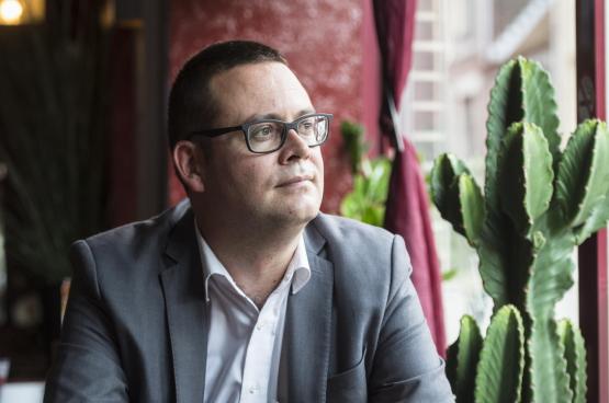 """Raoul Hedebouw: """"Er is vandaag iets heel interessants aan de gang in België: voor het eerst in dertig jaar is er een oppositie links van de sociaaldemocratie in het parlement, in de media, in het publieke debat en op het terrein."""" (Foto Belga)"""
