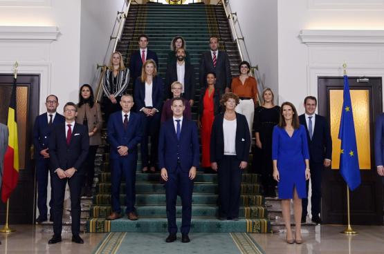 Als we de lijst van multinationals en lobby's zien waar sommige leden van de nieuwe regering banden mee hebben, is enige vrees terecht. (Foto Belga)