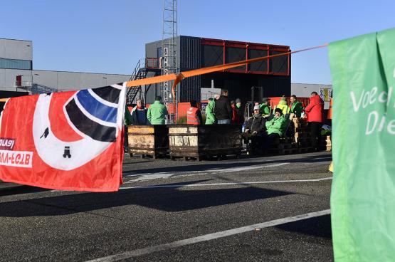 De werknemers van AB InBev voerden vorig jaar actie voor werkzekerheid en correcte lonen. (Foto Belga)