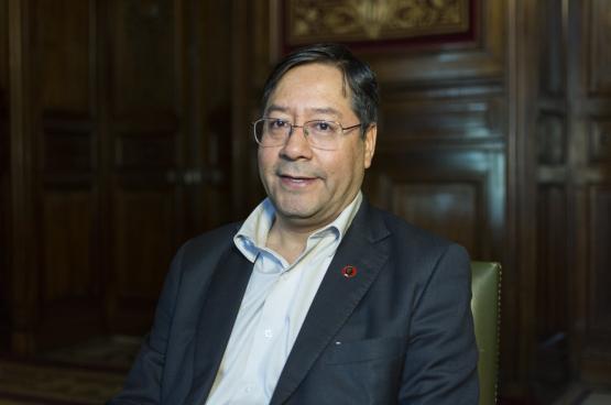 Luis Arce van de socialistische partij MAS won dit jaar in Bolvia overtuigend de presidentsverkiezingen. (Foto Casa de América, Flickr)