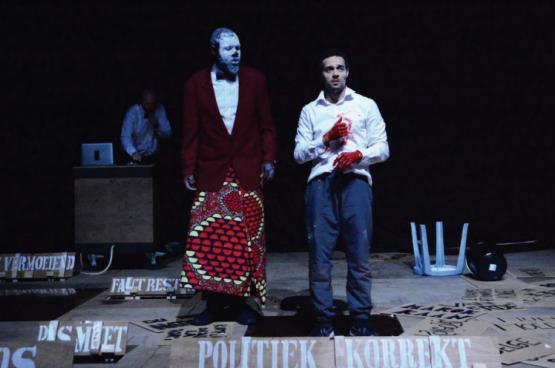 """Pitcho maakte de voorstelling """"Kuzikiliza"""", over de kolonisatie en Patrice Lumuba, """"die vermoord werd omwille van wat hij vertegenwoordigde: een volk waarvan men zich niet kon voorstellen dat het voor zichzelf zou opkomen."""" (Foto KVS)"""