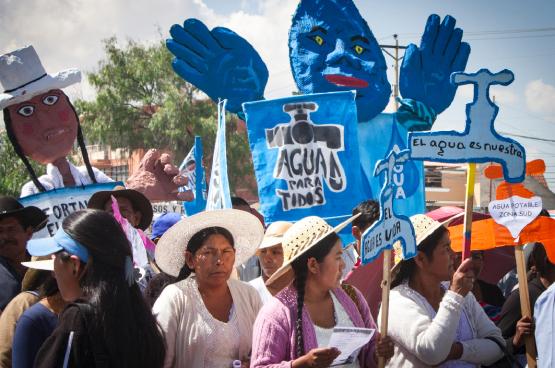 Viering van tien jaar wateroorlog in Cochabamba, Bolivia. (Foto Peg Hunter, 2010)