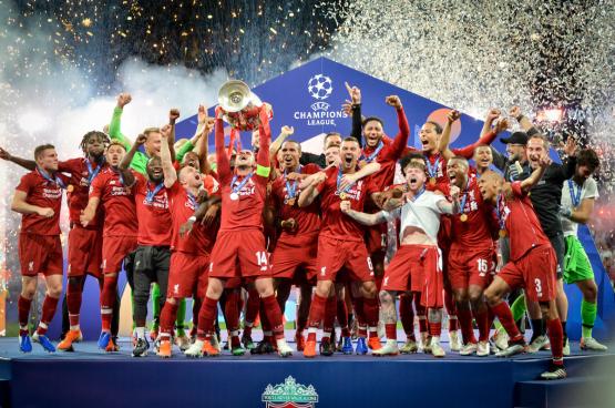 Liverpool, dat in 2019 de Champions League won, ontving 111 miljoen euro aan prijzengeld voor deze zege. Als de Super League er zou komen, zou gewoon door deel te nemen elke club een opbrengst hebben van 350 miljoen euro. (Foto Vlad 1988)