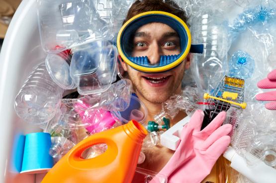 Er is weinig animo om de productie van plastic verpakkingen te verminderen. In de voorbije twintig jaar is die met 39% gestegen. (Foto Shutterstock)